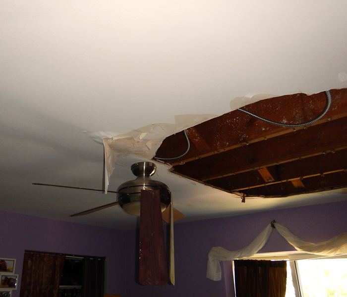 Water Damage Signs That You Need To Hire a Water Damage Repair Professional Lincoln Square